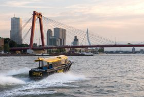 Erasmusbrug & Willemsbrug met watertaxi